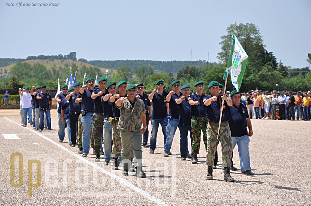 O movimento associativo de antig pára-quedistas esteve presente e algumas das suas Associações participaram na cerimónia militar.