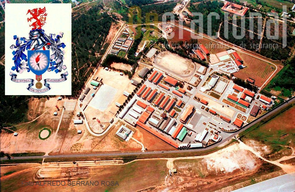 Vista aérea da ESCOLA DE TROPAS PÁRA-QUEDISTAS, cadinho onde são formados os «SOLDADOS DA TERCEIRA DIMENSÃO».