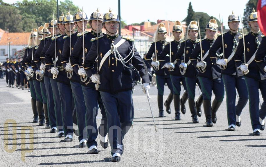 A guarda Nacional Republicana (GNR) é uma força de segurança de natureza militar, constituída por militares organizados num corpo especial de tropas e dotada de autonomia administrativa.
