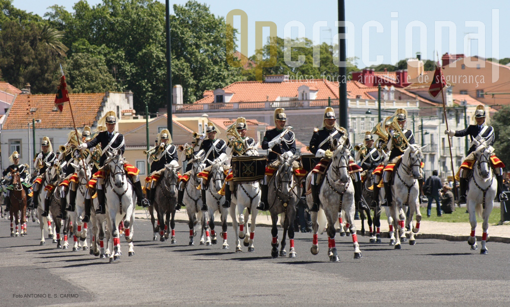 A Charanga a Cavalo, orgânica da Unidade de Segurança e Honras de Estado (USHE).