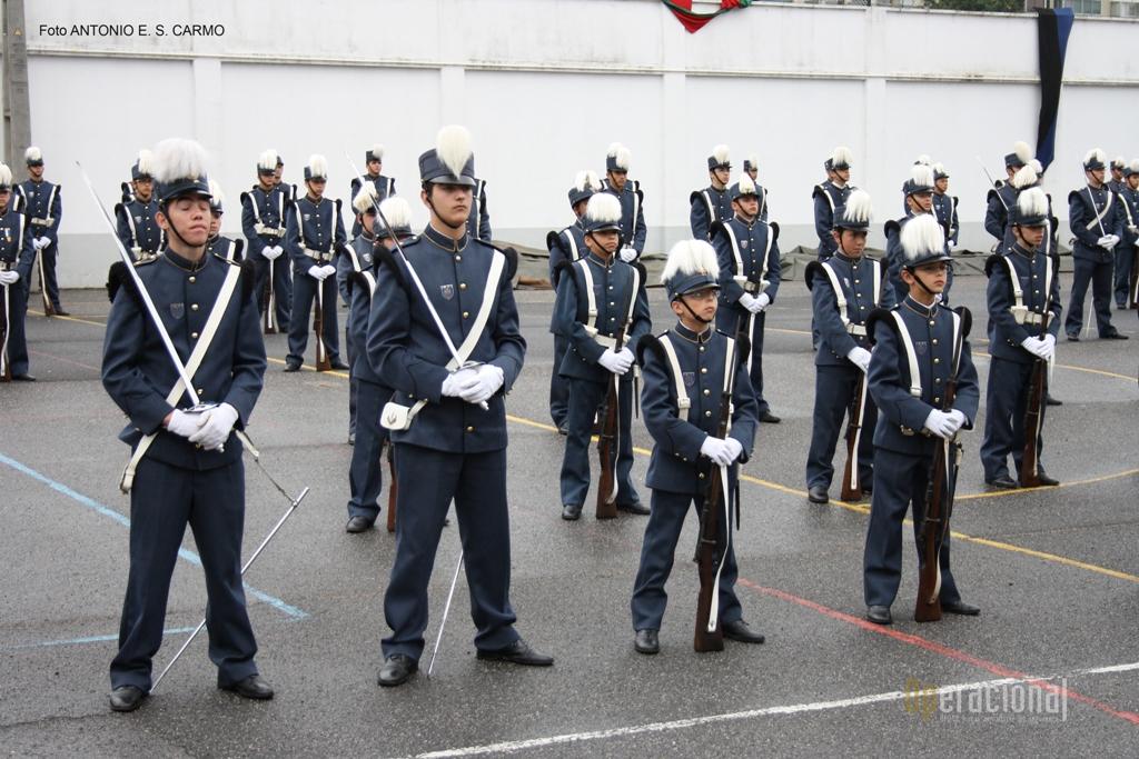 No IMPE são ministrados o Ensino Básico (2º e 3º ciclos) e o Ensino Secundário a par de actividades militares, físicas e culturais.
