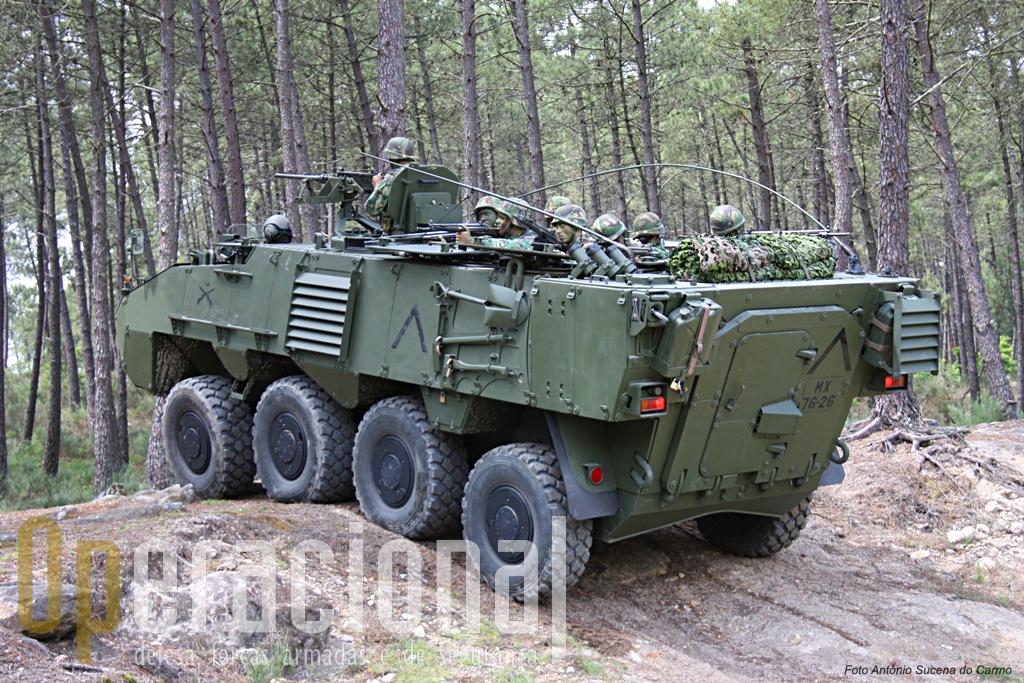 """A parte da """"capacidade de intervenção"""" do Exército que já está edificada irá permitir o empenhamento de um batalhão de infantaria com blindados de rodas num """"Battle Group"""" da EUROFOR, algo impossível até há bem pouco tempo."""