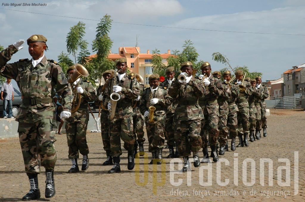 Banda Militar da 3ª Região Militar em actuação na cidade da Praia.