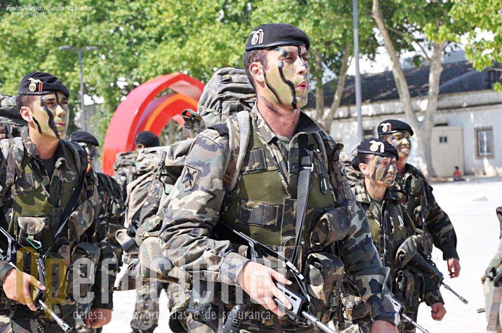 """A Companhia da BRIPAC (Brigada de Infanteria Ligera Paracaidista """"Almogavares"""" VI) pertencia à 3ª """"Bandera"""" (batalhão)"""
