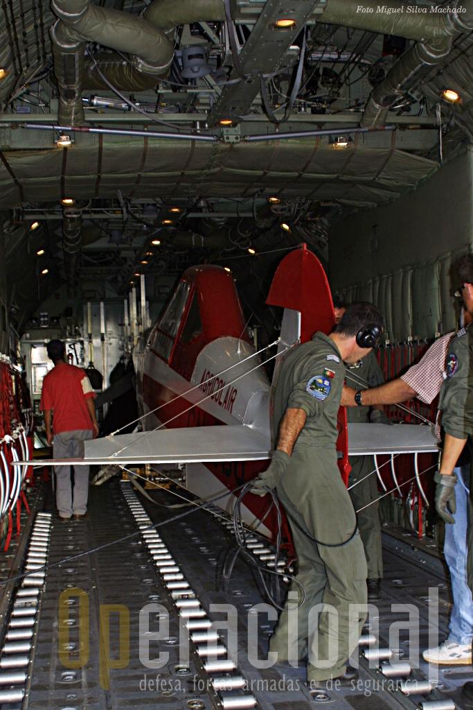 Primeiro acomodar a fuselagem...