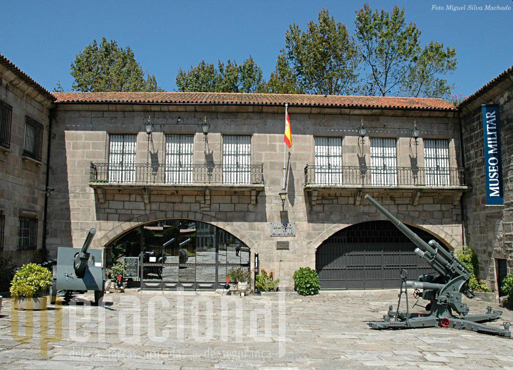O Museu Militar Regional da Corunha, na cidade, integra muitos elementos museológicos dedicados à artilharia e fortficação da costa...