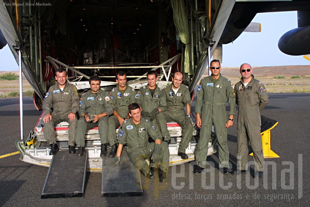 Amanhã caberá aos marroquinos atacar os gafanhotos do deserto e ao C-130 português, regressar a Portugal e terminar a missão Luanda - S. Tomé - Bissau - Sal - Lisboa