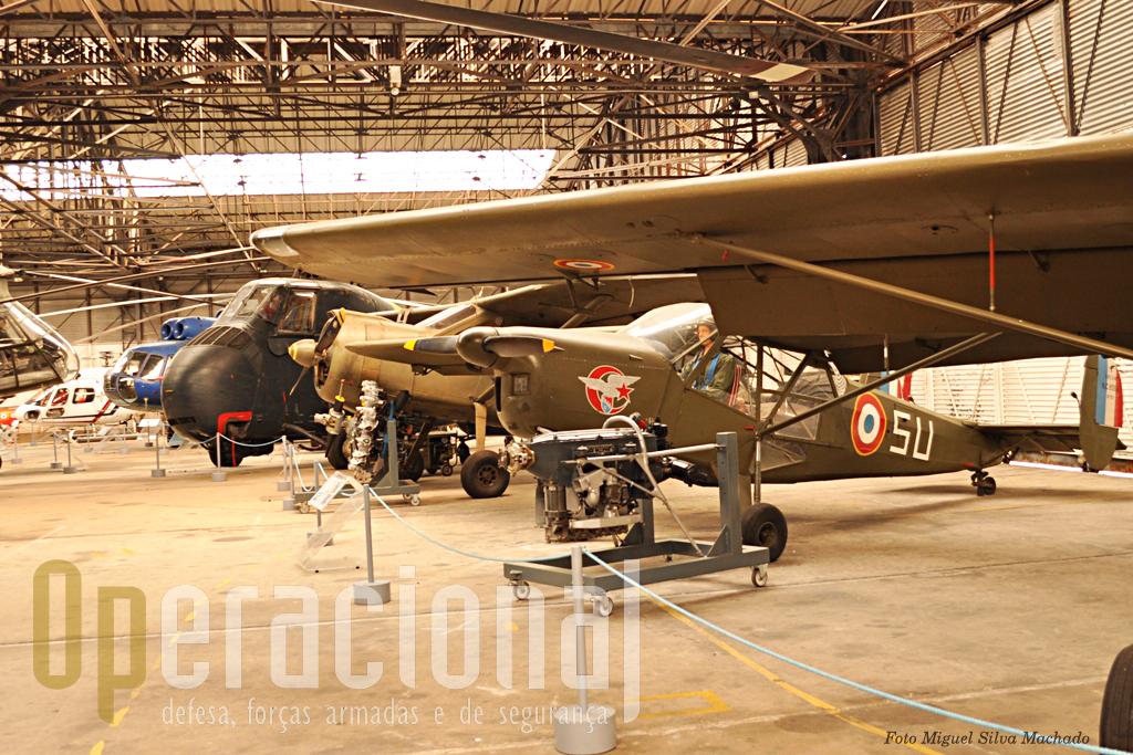 Um NC 856 Nord Vigie de fabrico francês. 112 destes aviões serviram na ALAT  a partir de 1953, mas sem grande sucesso. Era de pilotagem complicada e fracas perfomances.