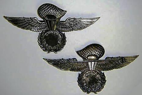 Distintivo de qualificação pára-quedista da Organização Paramilitar «COMANDOS MAMBISES». Frente e reverso. Reprodução recente comercializada no eBay.