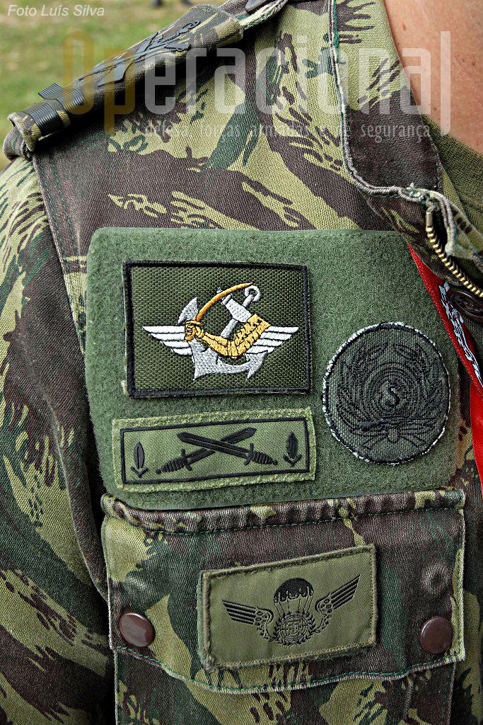 Muitos fuzileiros o Destacamento de Acções Especiais estão hoje habilitados com diversos cursos ministrados fora da Marinha