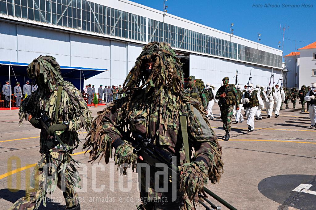Snipers, perações em montanha, na neve e em áreas edificadas, entre outras, são especializações que permitem às Operações Especiais da BrigRR intervençao em diferentes cenários e situações, assim o poder politico português o deseje.