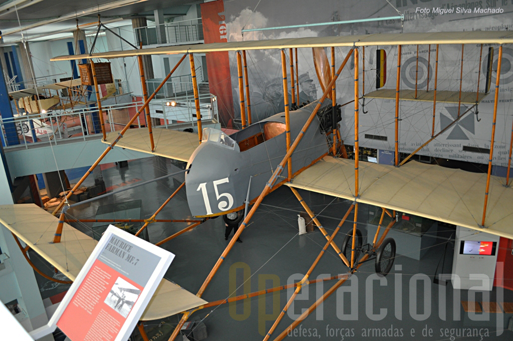 Um Maurice Farman MF 7 utilizado antes e durante a 1ª Guerra Mundial.