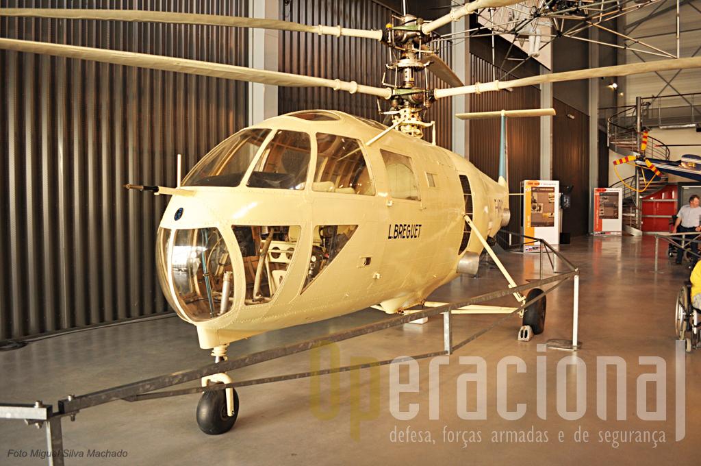 O curioso Breguet G111 de 1951 qe usava 2 rotores coaxiais e transportava 4 passageiros.
