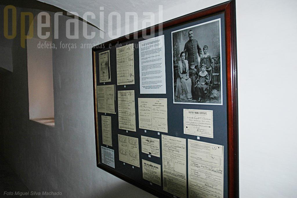 Vários documentos e imagens oferecidos por familiares de antigos militares atestam a passagem por Malta de geraçõesde artilheiros britânicos.