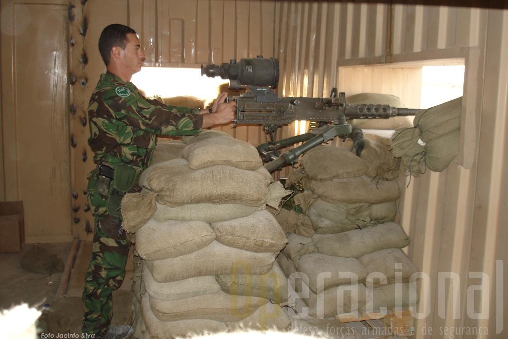 Os páras fizeram patrulhas mas também garantiram a seguraça do aeroporto de Kandahar.