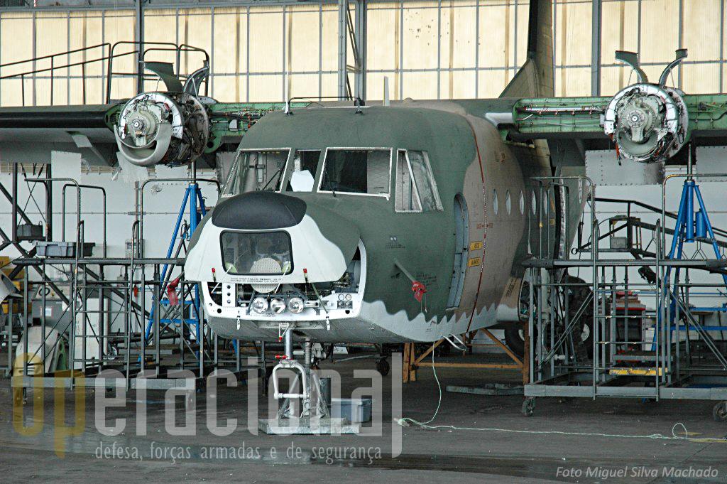 Desde a chegada dos C-295M que os C-212 deixaram de ser submetidos a grandes reparações. As horas disponiveis são usadas até ao fim e depois...