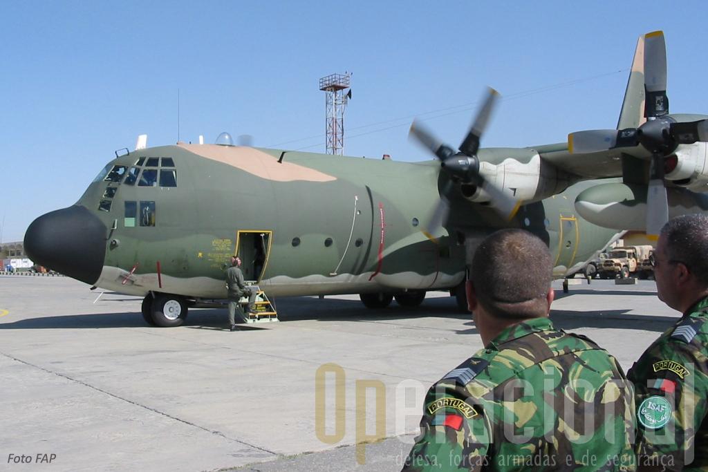 AS missões expedicionárias sucedem-se a as internas, sobretudo as cumpridas pela Marinha e Força Aérea, mantêm-se ou aumentam.