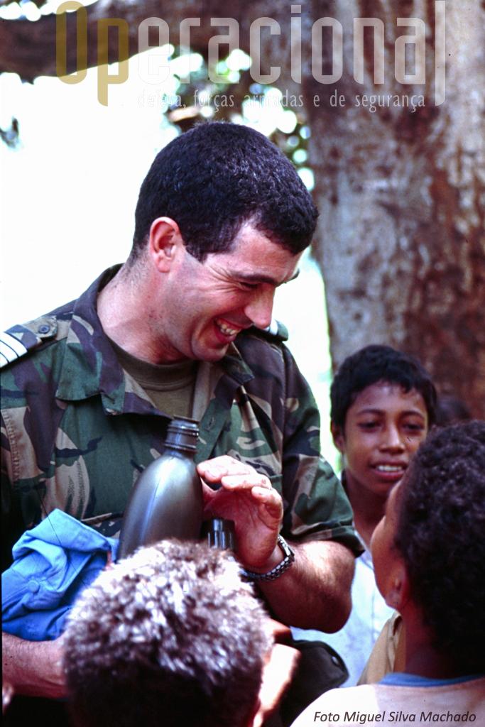 Onde quer que os milites passassem, a miséria era tanta que o simples distribuir de água constituía motivo de grande alegria para inúmeras crianças.