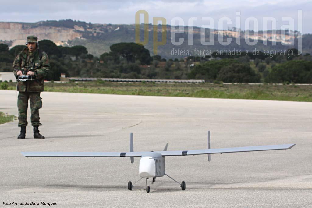 """Para este vôo o ANTEX-X02 n.º 5 não transportava qualquer sensor no """"nariz""""."""