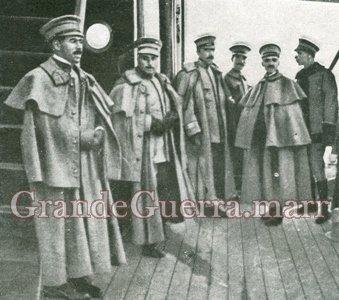 Oficiais de cavalaria com capote (Foto colecção particular)