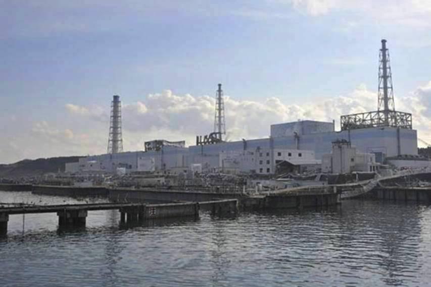 A central nuclear de Fukushima I em 31 de Março de 2011 (Foto Ministério da Defesa do Japão).
