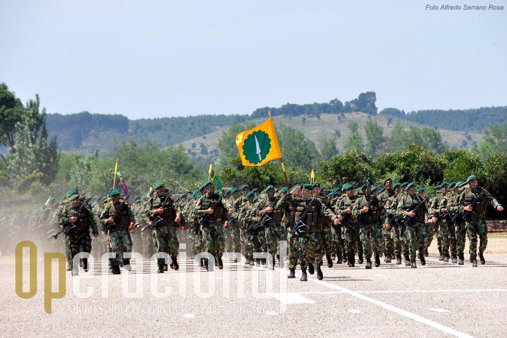 Os batalhões de infantaria pára-quedista estiveram presentes. Aqui o 1.º BIPara do Regimento de Infantaria n.º 15 (Tomar).
