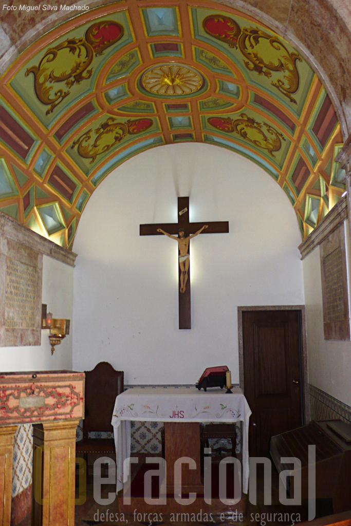 A pequenissima capela esta muito bem preservada.