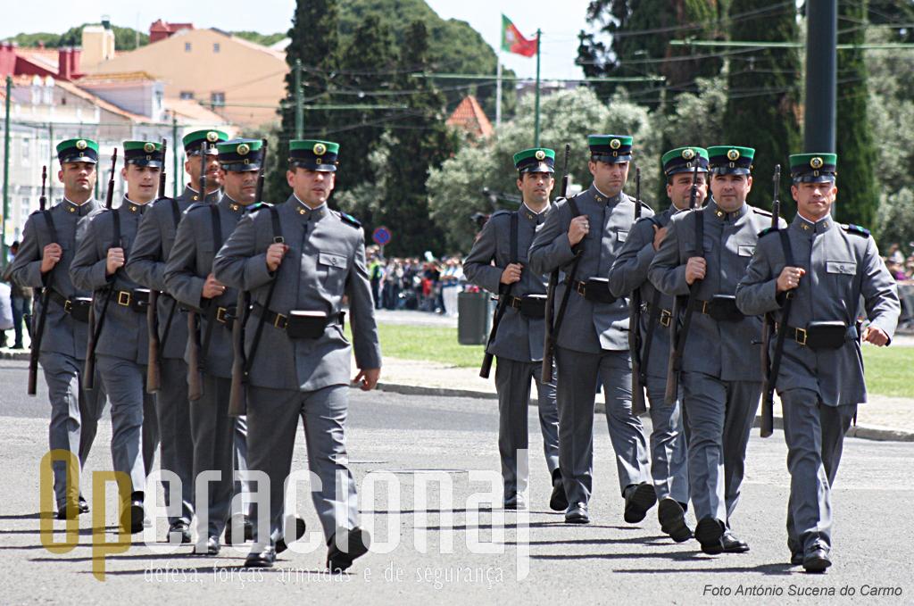 Os uniformes dos homens da «Guarda» nos anos 60.