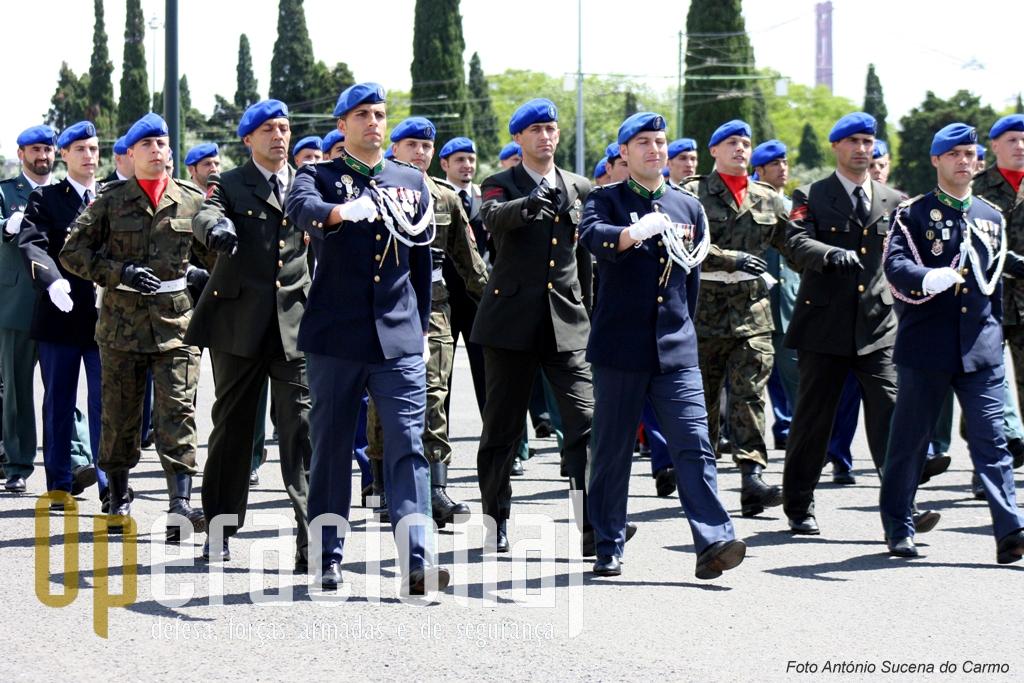 Unidades congéneres de países amigos estiveram presentes e prestigiaram os 100 anos da GNR.