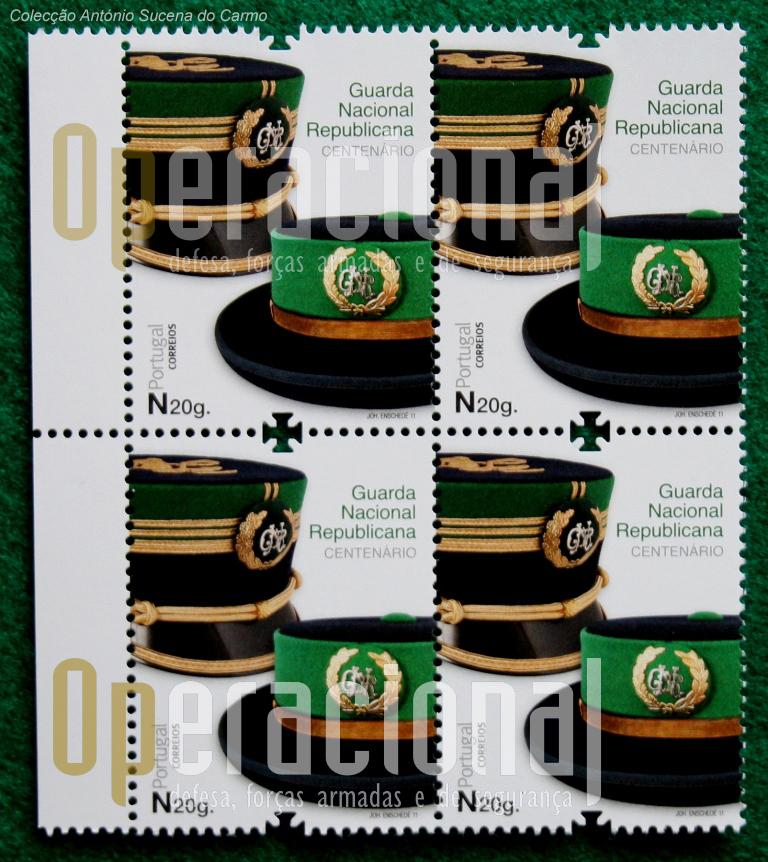 """Uma """"quadra"""" do selo postal comemorativo dos 100 ANOS DA GNR."""