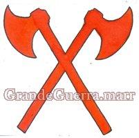 Dois machados cruzados em pano vermelho, colocados nos dois lados, nas platinas