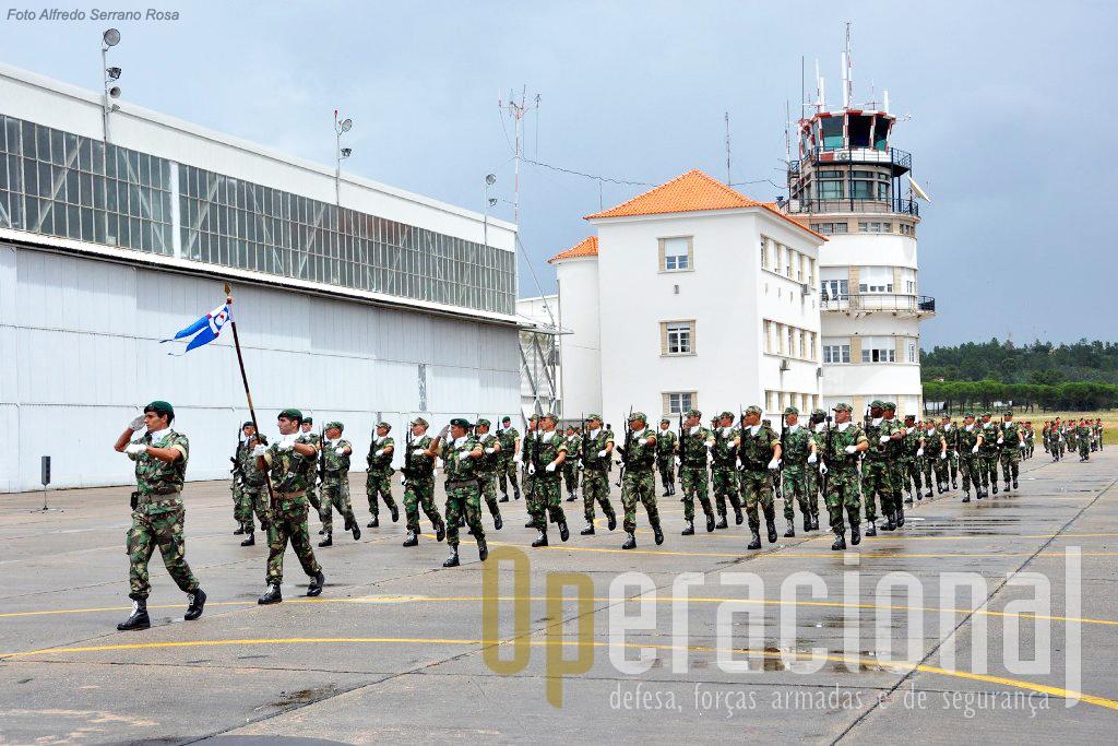 Companhia do Batalhão de Formação da Escola de Tropas Pára-quedistas.