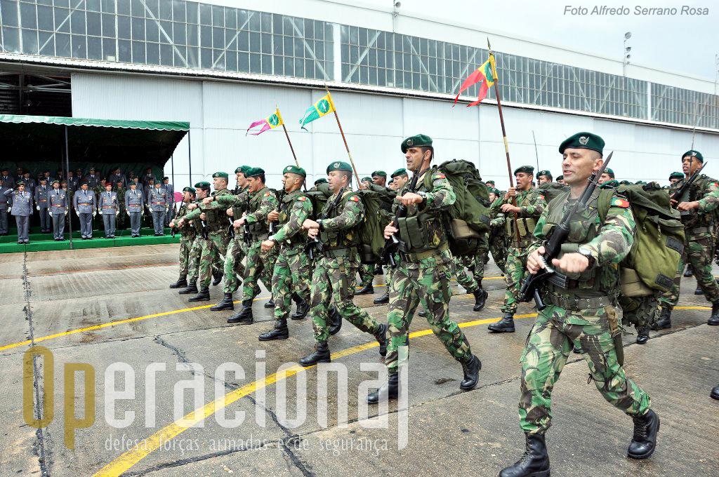 O 1.º Batalhão de Infantaria Pára-quedista de Tomar.