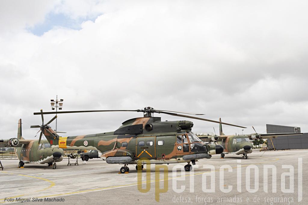 """SA330 Puma e C-212-100 Aviocar, """"velhas glórias"""" com lugar de relevo na história da Força Aérea Portugusa."""