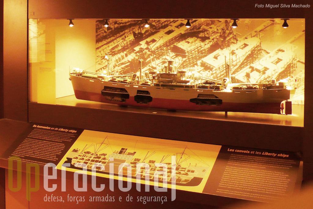 """Os """"navios da Liberdade"""" que atravessavam o Atlântico carregados de material de guerra """"made in USA"""" em direcção ao Reino Unido e à Rússia."""