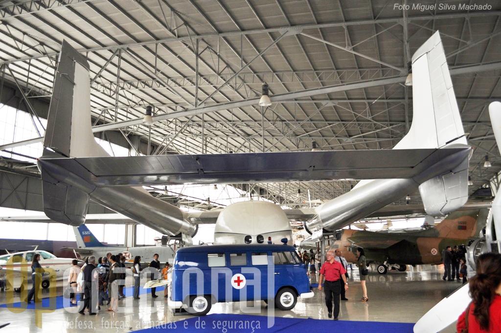 O Museu do Ar com uma organização do espaço ligeiramente diferente do habitual para acolher o Dia da Força Aérea...