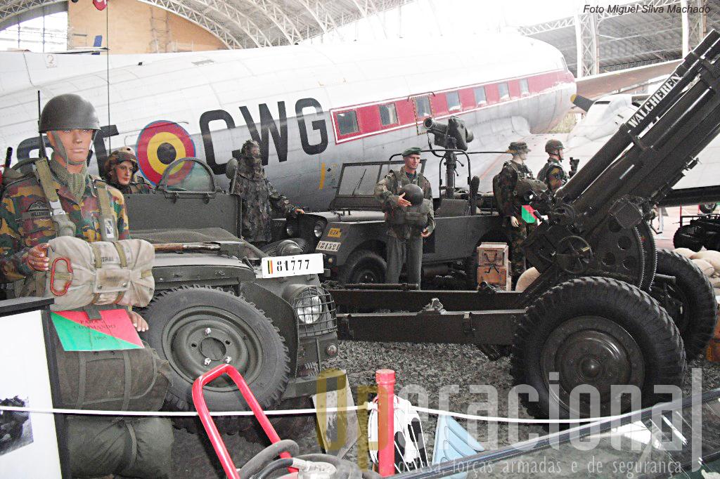 A Brigada Pára-Comando Belga e as esquadras de transporte aéreo ocupam espaço de relevo neste hall.