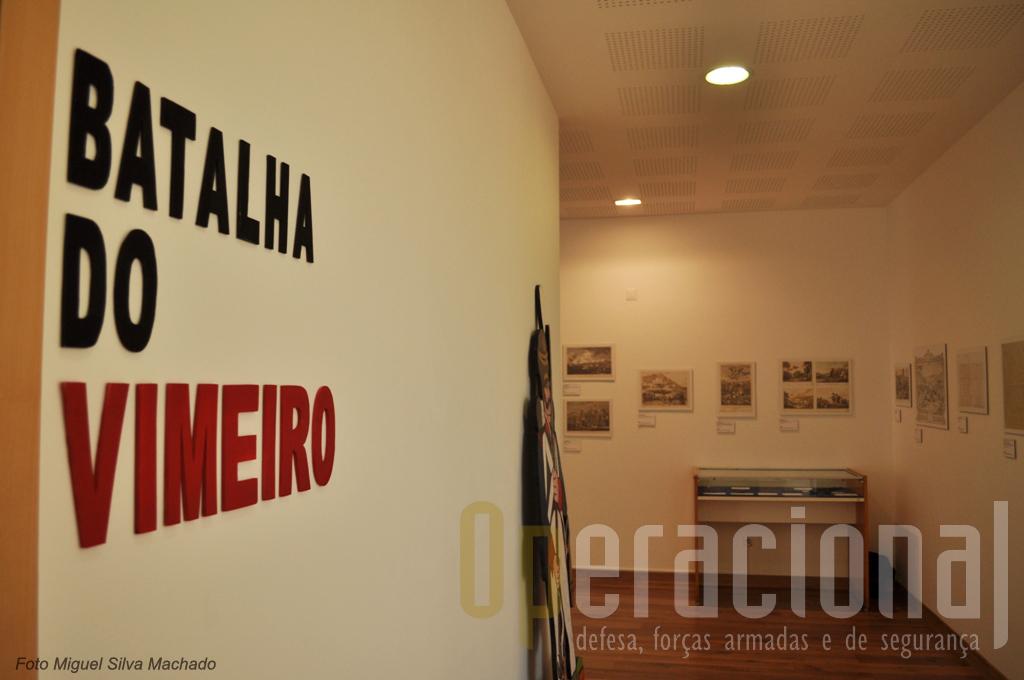 O piso de entrada tem basicamen duas grandes salas, uma dedicada à Batalha do Vimeiro com uma exposição permanente.
