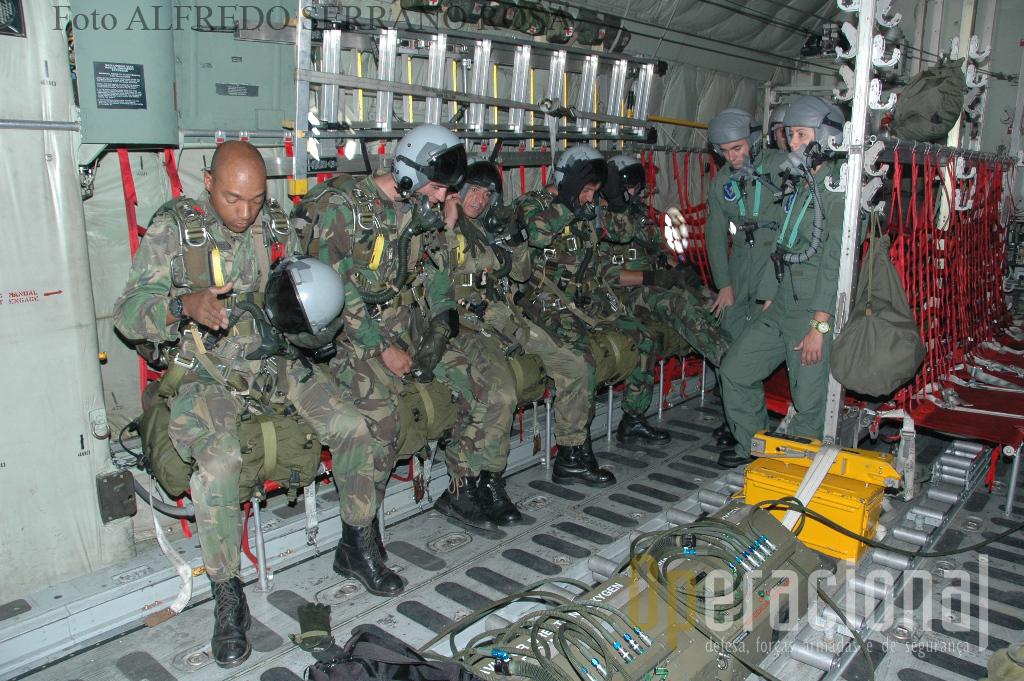 A ESCOLA DE TROPAS PÁRA-QUEDISTAS é a única entidade militar formadora na área aeroterrestre.