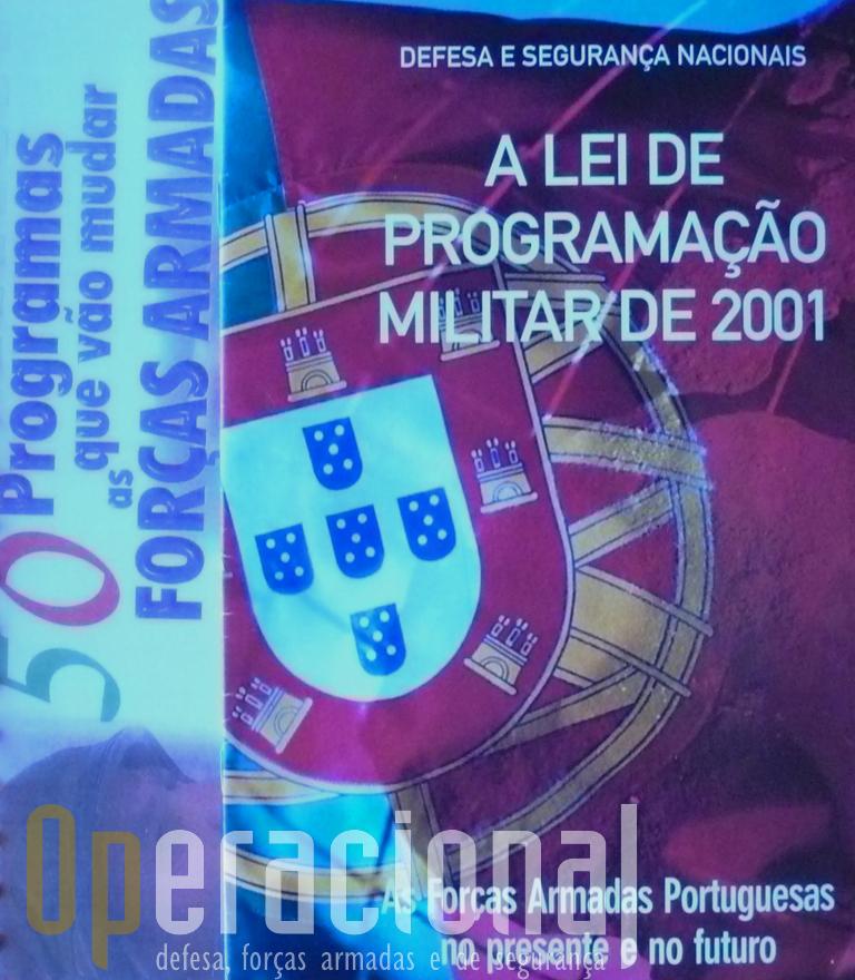 Capas das brochuras de 2001 e 2003.