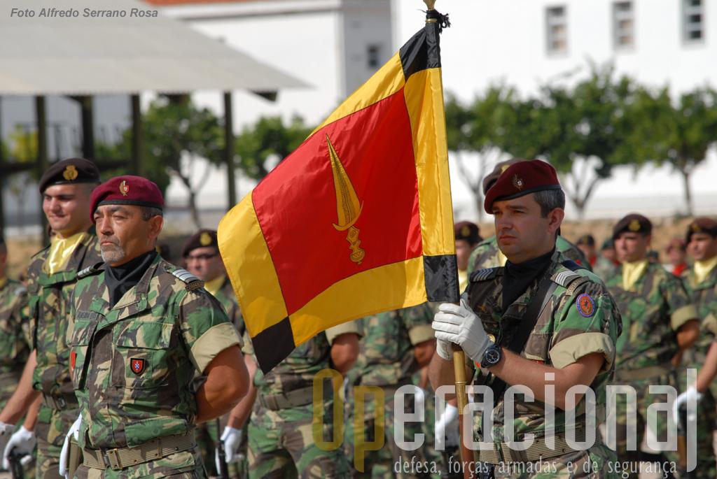 O Batalhão de Comandos sob o comando do Tenente-Coronel CMD Almeida Luís.