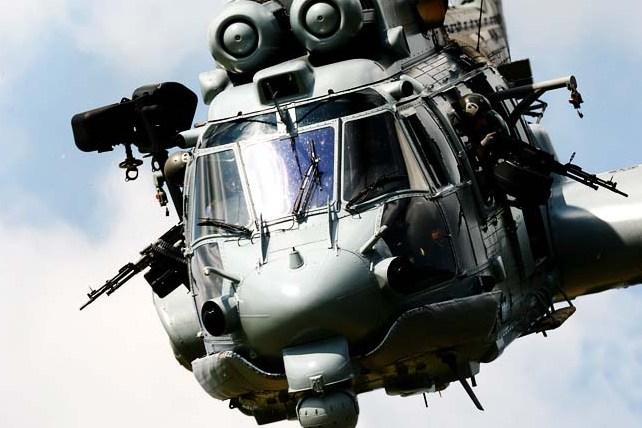 """O Exército Brasileiro receberá até 16 helicópteros Eurocopter EC725 """"Caracal"""" dos 50 que serão fornecidos às Forças Armadas (foto Helibras)."""