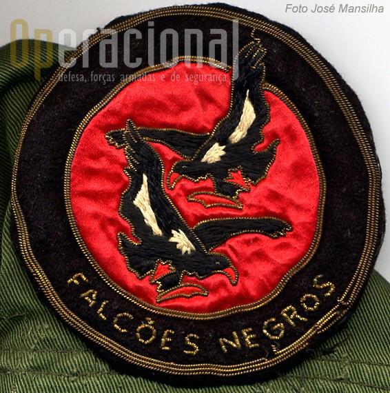 """Simbolo original dos """"Falcões Negros"""" (Colecção José Mansilha)"""
