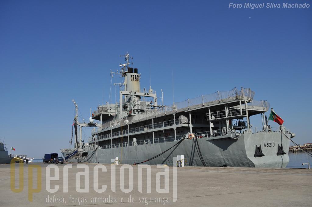 Navio singular na Marinha e em Portugal, as suas capacidades são por isso mesmo de grande importância militar e civil.