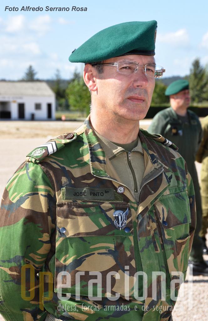 O Sargento-Mor Paraquedista PINTO do Regimento de Infantaria 10.
