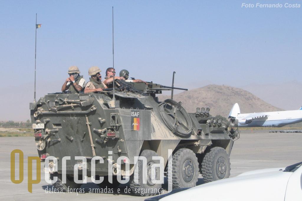 Militares belgas na segurança de KAIA à data (2005) em que a Força Aérea Portuguesa assumiu a responsabilidade pelo comando.