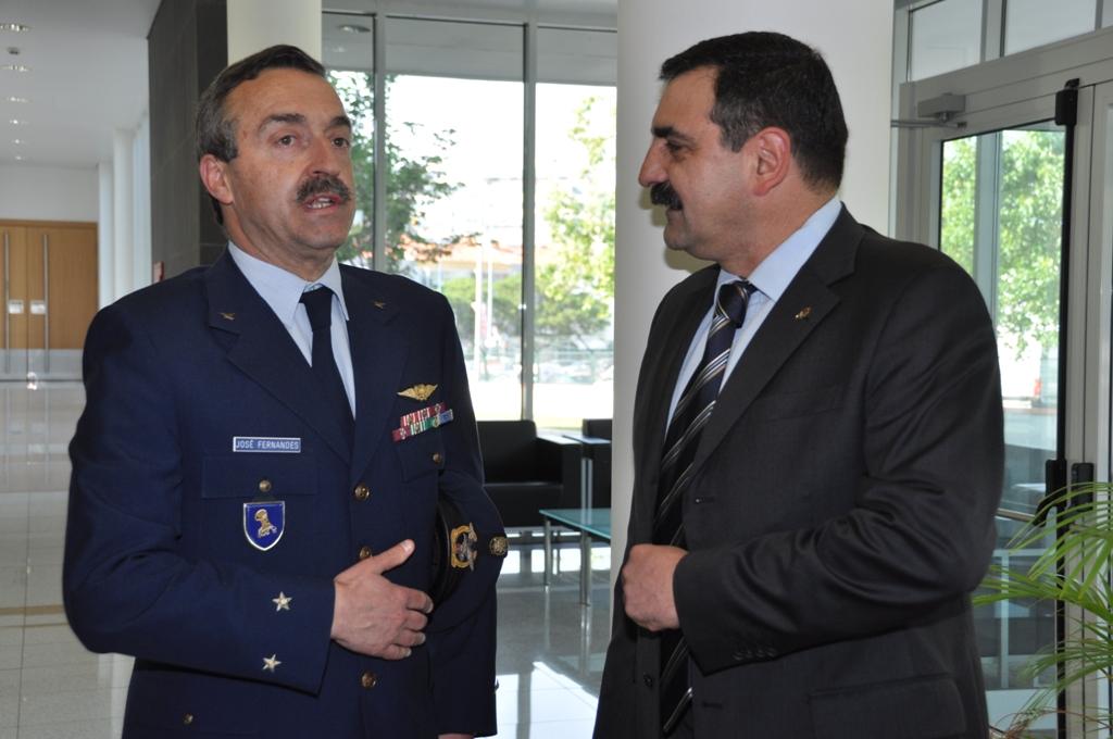 Major-general Serôdio Fernandes e coronel tirocinado Carlos Perestrelo.