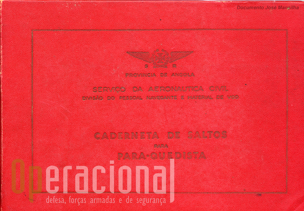 Capa de uma caderneta de pára-quedista civil.
