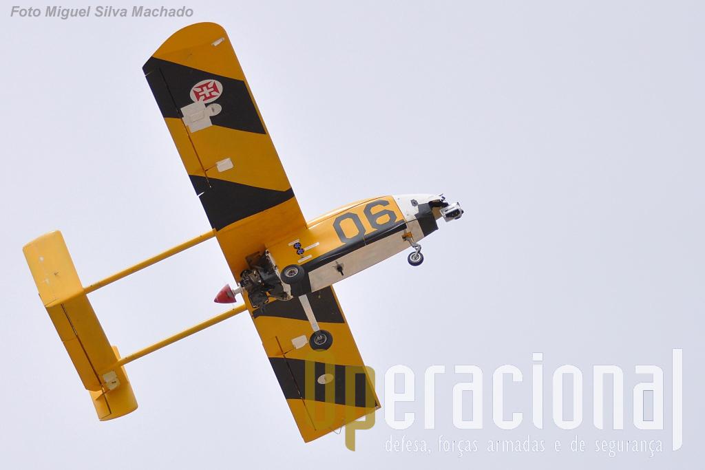"""O ANTEX-M 06, """"Santa Cruz"""", a ganhar altitude instantes após a descolagem do aeródromo mais ocidental da Europa continental: Santa Cruz/Torres Vedras"""