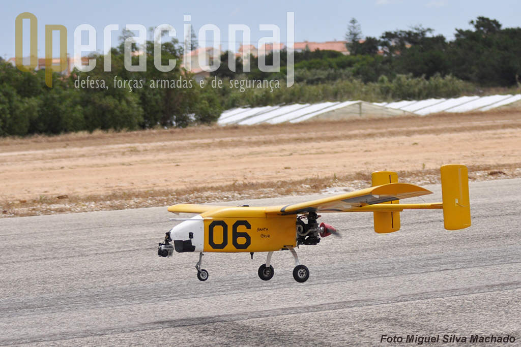 Aterragem perfeita na pista de Santa Cruz.